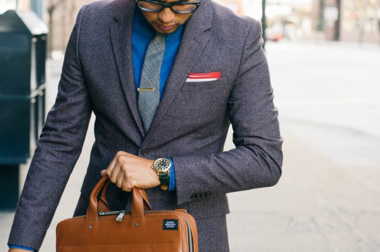 Top 6 Accessories That Every Man Should Know